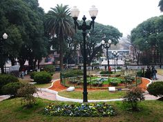 Plaza de San Isidro y su reloj floral, en las Barrancas de San Isidro, Buenos Aires, Argentina Largest Countries, Countries Of The World, Santa Fee, Andes Mountains, Savarin, Roger Waters, Down South, Most Beautiful Cities, Amazing Architecture