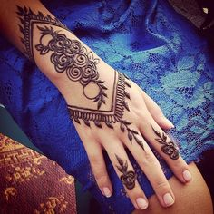 Henna at the Thursday Night Market | Purely natural henna st… | Flickr