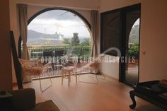 Apartment-villa located in a beautiful Florentine residence with panoramic views over the bay of Villefranche. Close to the port and shops, quiet, all rooms have access to opened and covered terraces. • Furnished : Yes  #ApartmentForRent #holidayapartment #realestate #accomodation #france #monaco #frenchriviera #apartment #luxuryapartment  #NicolasPisani http://www.nicolaspisani.com/en/holiday-appartment-rent-detail/apartments/2114-villefranche-sur-mer.cfm