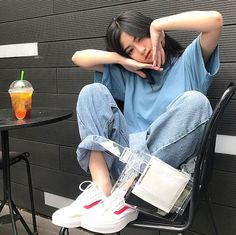 Korean Fashion On The Streets Of Paris Style Ulzzang, Mode Ulzzang, Ulzzang Korean Girl, Cute Korean Girl, Asian Girl, Ulzzang Girl Selca, Kfashion Ulzzang, Ullzang Girls, Cute Girls