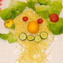 Arcinboldo food art, created by kindergarten children Crafts To Make, Arts And Crafts, Wtf Face, Food Art, Real Food Recipes, Kindergarten, Children, Room, Inspiration