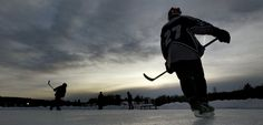 connecticut pond hockey | 15 Spectacular Photos Of Pond Hockey Being Played In Freezing Weather ...