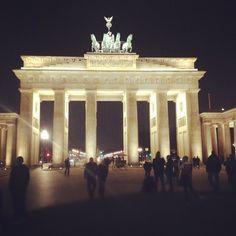 Brandenburger Tor by night - Berlin