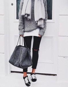 Çantanın markasını bilen var mı???