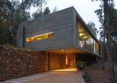 Architektur » Das Omnibus Haus am Hang beeindruckt mit massiver Betonkonstruktion #architektur #beeindruckt #betonkonstruktion #massiver #omnibus