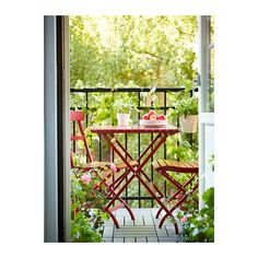 MÄLARÖ Folding chair IKEA Perfect for your balcony or other small spaces as the chair is easy to fold up.