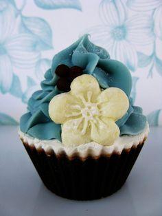 Vanilla Bean Shea Butter Cupcake Soap by PitterPatternDesigns, $6.50