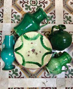 Verde que te quiero verde #cerámica #ceramics #verde #colores #colors #antique#antiqueshop #antiques #antiquestyle #antiquestore #andalucia #ceramic #decoracion #decoração #decoration #españa #homedecor #instagram #instagramer #interiors #love #marbella #spain