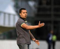 BotafogoDePrimeira: Comparado ao de Gomes, Bota de Jair combate mais e...