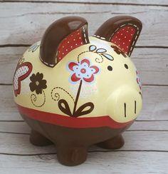 Si usted está buscando el perfecto, toque final de calidad de reliquia a su bebé un vivero bueno, o una conmovedora, personalizado regalo para un bebé que viene en el mundo: aquí está! El destinatario atesorará para siempre este tema personalizado. Se puede personalizar con cualquier Personalized Piggy Bank, Personalized Gifts, Pig Bank, Piggly Wiggly, Paint Pens, Hand Painted Ceramics, Vintage Wood, Custom Items, New Baby Products