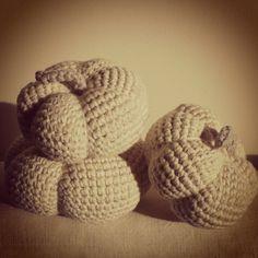 Crochet pumpkins   Link to pattern