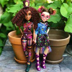 Disney Descendants Dolls, Disney Descendants 3, Disney Dolls, Halloween Costume History, Native American Halloween Costume, American Girl, American Indians, American History, Audrey Doll