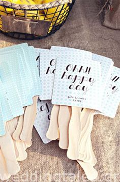 Summer weddings are here and what an idea to cool off your wedding guests with personalized fans?! By @RockPaperScissors