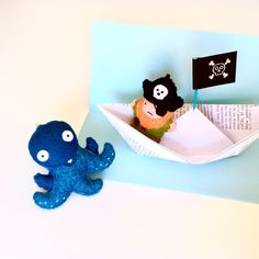 """Me buddy and I arrr having a fine time!"" www.InpirationalGecko.etsy.com #pirate #felt #keychain #octopus #handmade #accessories"