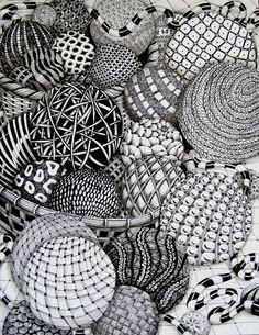 Zentangle balls by MissyLiss. [I've only recently come across Zentangle and it's thrilling!]