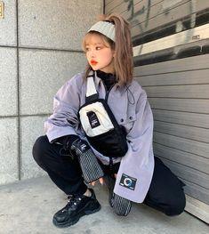 A imagem pode conter: 1 pessoa, em pé Cute Fashion, Asian Fashion, Fashion Outfits, Ulzzang Fashion, Harajuku Fashion, Aesthetic Fashion, Aesthetic Clothes, Japanese Minimalist Fashion, Pretty Outfits