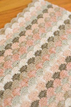 Ravelry: DownGrapevineLane's Cherry Heart Clamshell Along Blanket