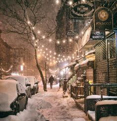 New York City in the snow. East Street in the East Village on a winter night during a snowstorm. One of the best times to experience NYC in the winter! Winter Szenen, Winter Night, Winter Time, New York Winter, Cold Night, New York Snow, Winter Season, Boston Winter, Winter Ideas