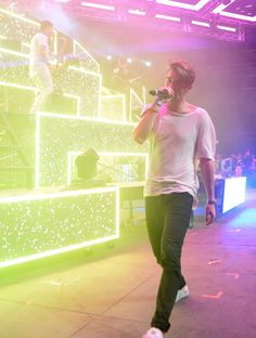 Andrew Taggart Photos Photos - DJ Andrew Taggart of Chainsmokers performs onstage during day 3 of the 2016 Coachella Valley Music & Arts Festival Weekend 2 at the Empire Polo Club on April 24, 2016 in Indio, California. - 2016 Coachella Valley Music and Arts Festival - Weekend 2 - Day 3