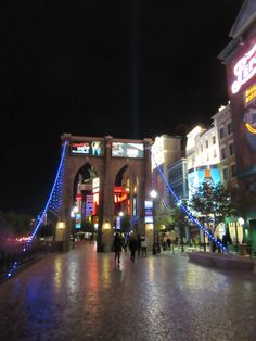 Walk across the pretty Brooklyn Bridge outside the New York New York Hotel and Casino on the Las Vegas Strip