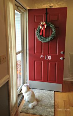 Red Front Door - paint color - Posh Red, Valspar numbers on door Front Door Paint Colors, Painted Front Doors, Front Door Porch, House Front, Do It Yourself Food, Tutorial Diy, Kick Plate, House Painting, House Colors