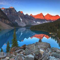 Kanada'nın Alberta eyaletinde bulunan Banff Milli Parkı Rocky Dağları üzerindedir ve Kanada'nın en eski milli parkıdır. Gölleri buzulları bölgeye özgü hayvan türleri ile dikkat çekiyor. Fotoğraf: sergiolanzaphotography #kivi #banff #canada #nationalpark #canadarockymountains #paisagem #landscape #paisajístico #banffnationalpark