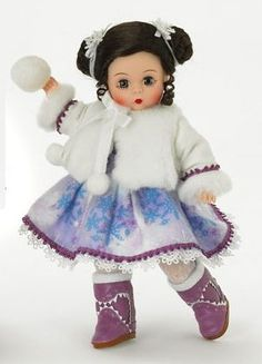 Madame Alexander 8 Inch Holiday Collection Doll - Snowball Fun: