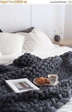 Sale 20% Ohhio's Grande Punto blankets. Chunky blanket.