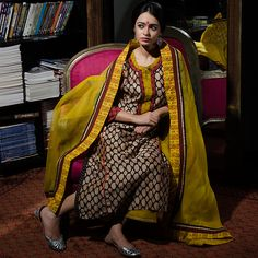 Sampada is a leading designer of hand-block printed womens' attire like kurtas, kurtis, dupattas, caftans, sarees, palazzos. Stores in Delhi, Mumbai, Bangalore