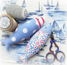 i've been making are lots of tiny fish in lots of pretty fabric Helen Philipps Tiny Fish, Little Fish, Helen Phillips, Coastal Quilts, Coastal Colors, Little Stitch, Different Seasons, Fabric Scraps, Quilt Making