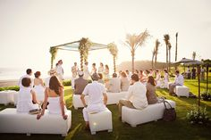 A Bali wedding venue that oozes style, elegance and luxury.   #Alila #villa #Bali #wedding #outdoor #party #beach