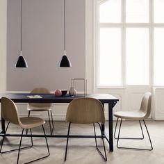 GUBI // Bestlite pendant and Gubi chair Deco Design, Design Moderne, Dining Room Inspiration, Interior Inspiration, Design Inspiration, Side Chairs, Dining Chairs, Dining Table, Room Chairs