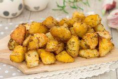patate alla folle No Salt Recipes, Wine Recipes, Roasted Potatoes, Vegetable Dishes, Potato Recipes, Cooking Time, Finger Foods, Italian Recipes, Food To Make