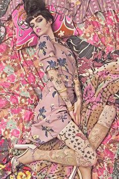 Vogue photoshoot inspired by Gustav Klimt