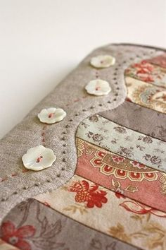 Cute way to finish a quilt! - Click image to find more diy & crafts Pinterest pins - small purses for sale, womens handbags, leather purse sale *sponsored https://www.pinterest.com/purses_handbags/ https://www.pinterest.com/explore/hand-bag/ https://www.pinterest.com/purses_handbags/designer-handbags/ https://www.amazon.com/Handbags/b?ie=UTF8&node=15743631