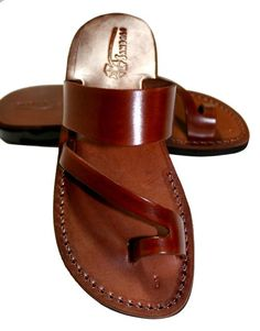 Brown Roman Leather Sandals For Men & Women - Handmade Sandals, Leather Flats, Leather Flip Flops, Unisex Sandals, Brown Leather Sandals Leather Flip Flops, Brown Leather Sandals, Leather Flats, Brown Flats, Men's Leather, Vintage Leather, Flip Flop Sandals, Shoes Sandals, Jesus Sandals