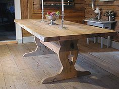 Trestle tables in pine or maple are very common in Swedish county houses.