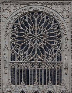 Roosvenster kathedraal Amiens