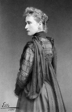 Ella, 1892...She looks so much like her sister, Alexandra.