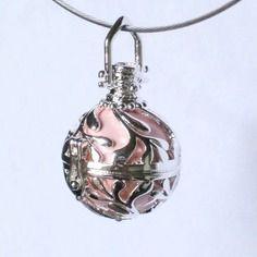 Magnifique pendentif bola de grossesse mexicain et bille musicale rose