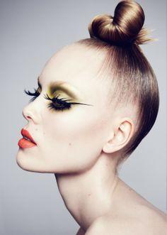 Hanna Hojman Sofie Theobald by Benjamin Vnuk for NK Haute Cosmetics Makeup Inspo, Makeup Art, Makeup Inspiration, Eye Makeup, Hair Makeup, Beauty Make-up, Beauty Shoot, Make Up Looks, Editorial Hair