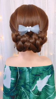 So pretty and easy at the same time 💖😍 The Effective Pictures We Offer You About kids hairstyles bow Easy Hairstyles For Long Hair, Little Girl Hairstyles, Braided Hairstyles, Cool Hairstyles, Hairstyle Ideas, Girls Hairdos, Elegant Hairstyles, Medium Hair Styles, Curly Hair Styles