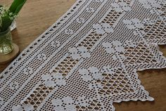 This Pin was discovered by Bel Crochet Doily Diagram, Crochet Lace Edging, Crochet Leaves, Crochet Borders, Cotton Crochet, Thread Crochet, Crochet Doilies, Crochet Patterns, Diy Crafts Vintage