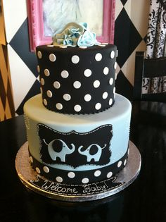 by Designer Cakes By April, via Flickr