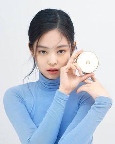 Blackpink Jennie, Yg Entertainment, Poses Modelo, Jenny Kim, Blackpink Photos, Pictures, Blackpink Fashion, Blackpink Jisoo, Most Beautiful Women