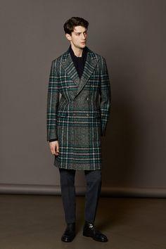 See the complete Boglioli Fall 2017 Menswear collection.