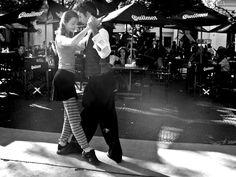 Tango en Plaza Dorrego de Buenos Aires