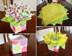 Good for Valentine's Day Candy Bouquet Diy, Diy Bouquet, Paper Bouquet, Boquet, Homemade Gifts, Diy Gifts, Diy Birthday, Birthday Parties, Candy Arrangements