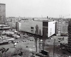 Fotka: Kamenné námestie 1978.  #Slovakia #Bratislava #oldTimes #KamenneNamestie #Prior