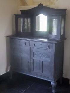 by The Shabby Shed Furniture, Home Furnishings, Painted Furniture, Furniture Making, Annie Sloan, Furniture Inspiration, Pallet Furniture, Furnishings, Black Furniture